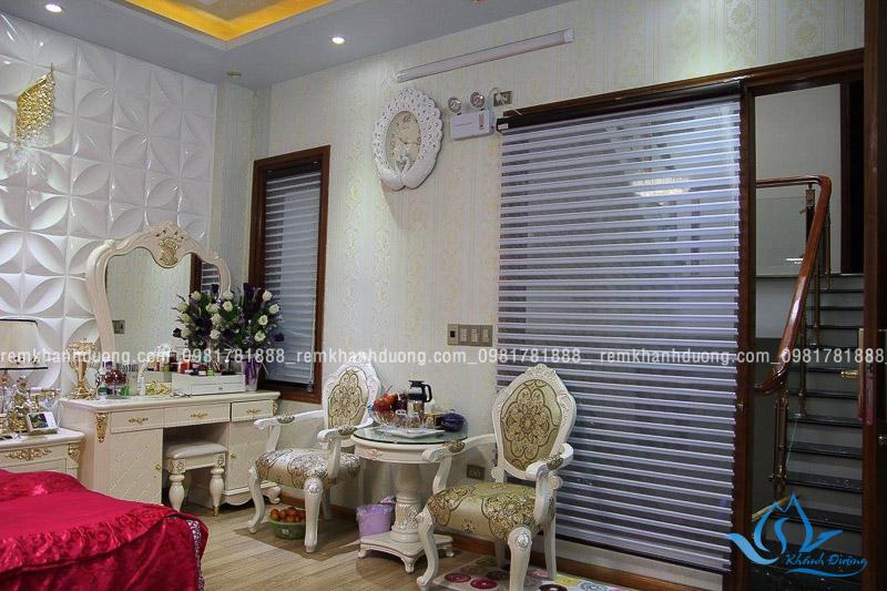 Rèm cuốn Hàn Quốc được ưa chuộng sử dụng tại phòng ngủ biệt thự bởi vẻ đẹp sang trọng, đơn giản
