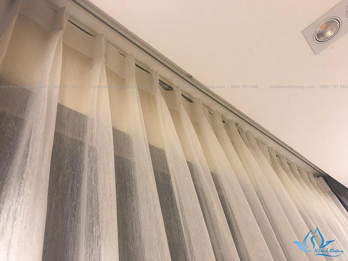 Chất liệu voan mỏng nhẹ của rèm vải hai lớp TM592