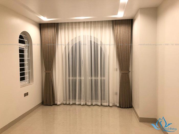 Sắc xám hiện đại của rèm vải Hàn Quốc DOICE09