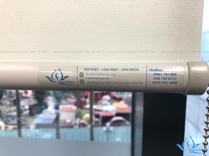 Chất liệu của mẫu rèm cuốn SU331 chống nắng tốt