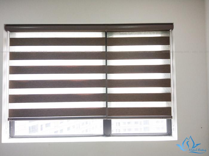 Người sử dụng có thể dễ dàng điều chỉnh độ sáng trong phòng nhờ thao tác kéo rèm lên, xuống bằng hệ thống dây kéo thông minh