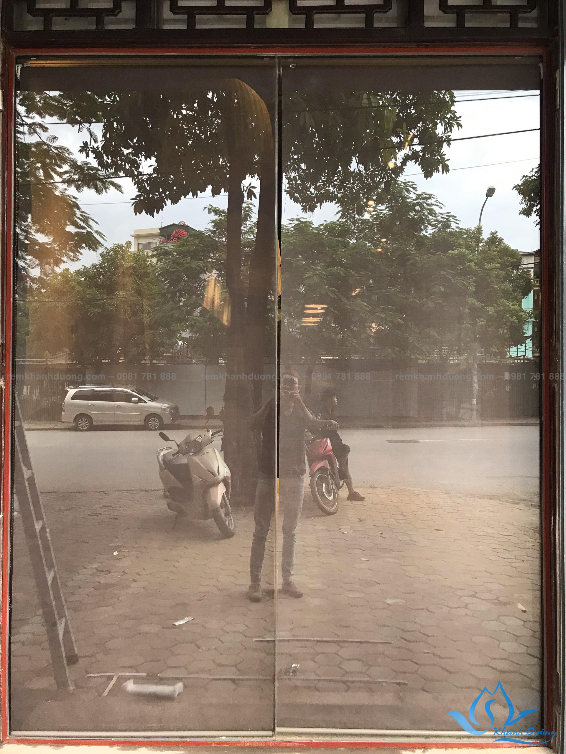 rem-cuon-luoi-gia-re-cho-quan-cafe-a4002-tai-nguyen-canh-di (6)