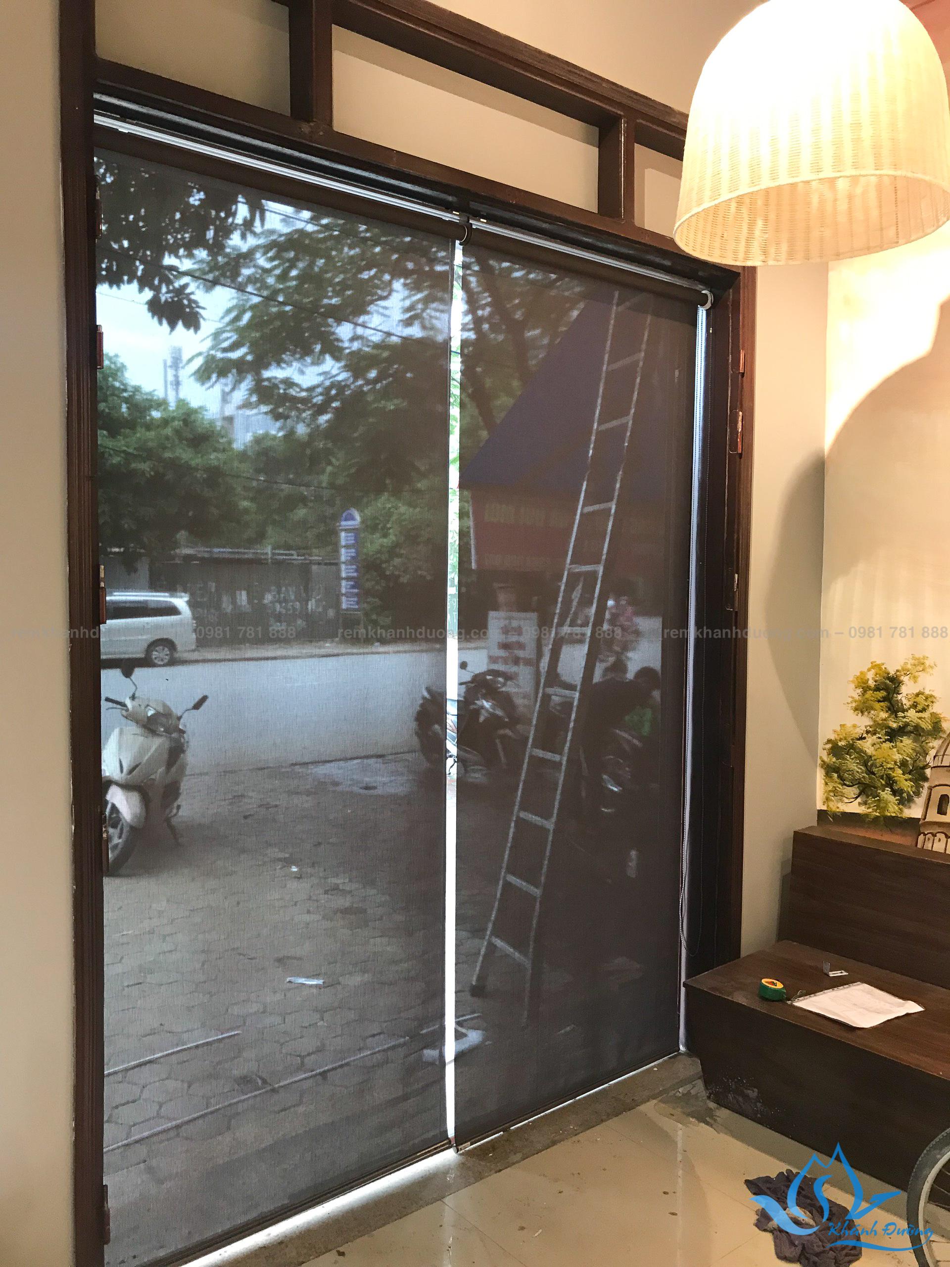 rem-cuon-luoi-gia-re-cho-quan-cafe-a4002-tai-nguyen-canh-di (9)
