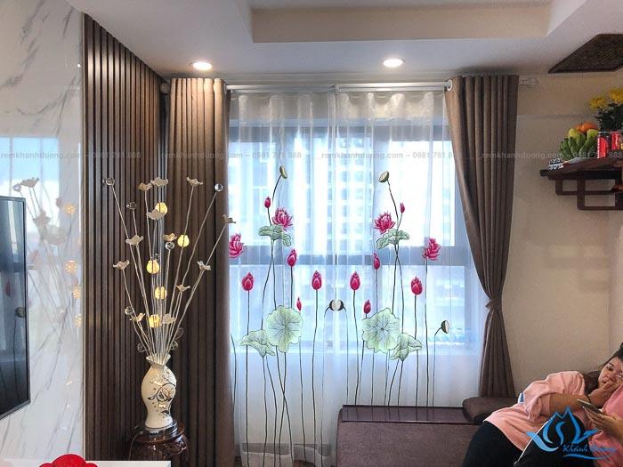 Mẫu rèm voan thêu tay đẹp ấn tượng cho không gian phòng khách thanh lịch tại Hà Nội
