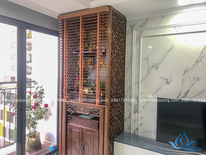 Sử dụng rèm bàn thờ bằng gỗ tự nhiện đẹp cho chung cư đơn giản