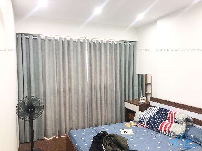 Mẫu rèm vải 1 lớp màu ghi cho phòng ngủ tại Nguyễn Tuân