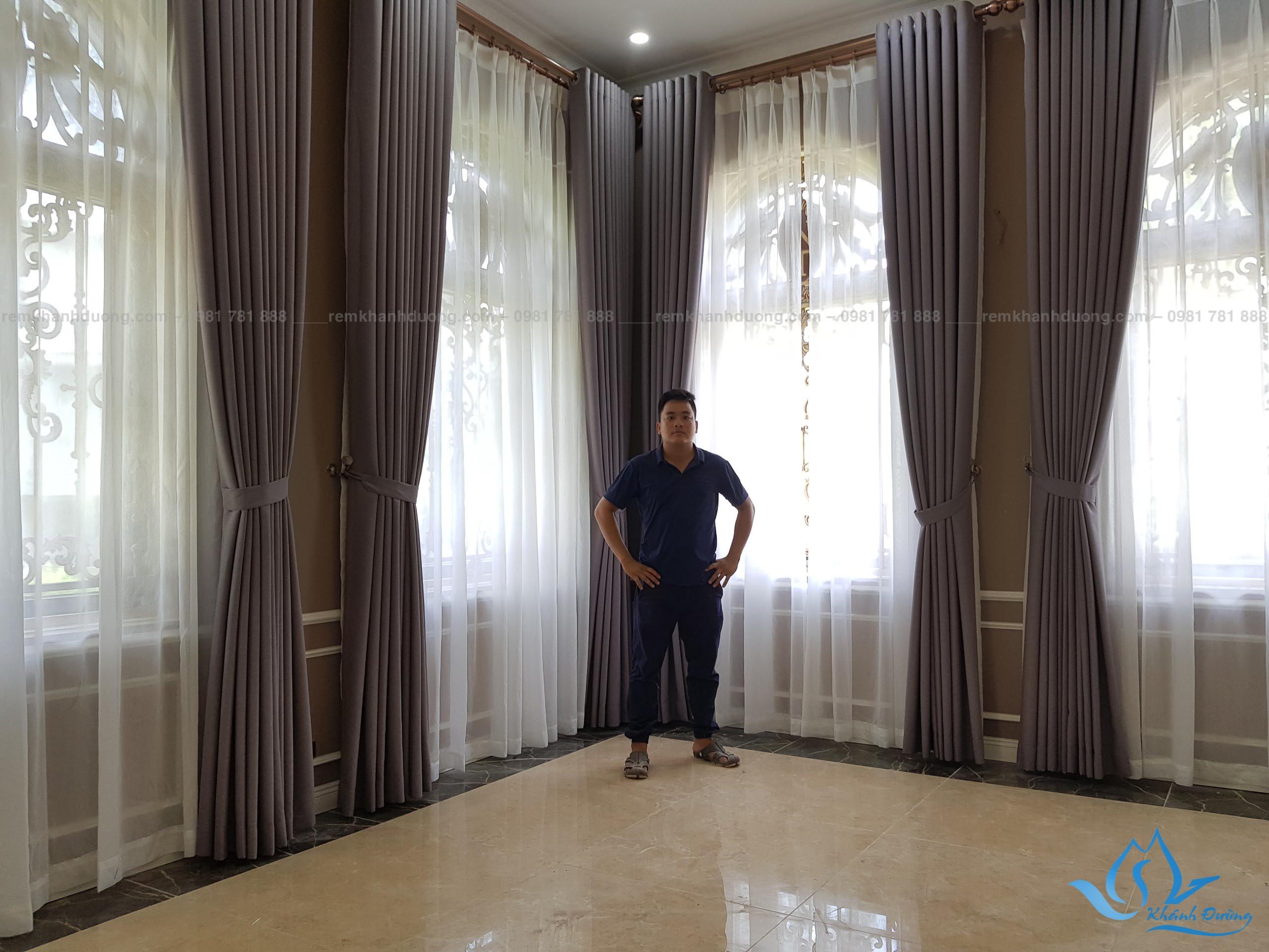Mẫu 4 rèm cửa biệt thự màu xám tại Đồng Trúc