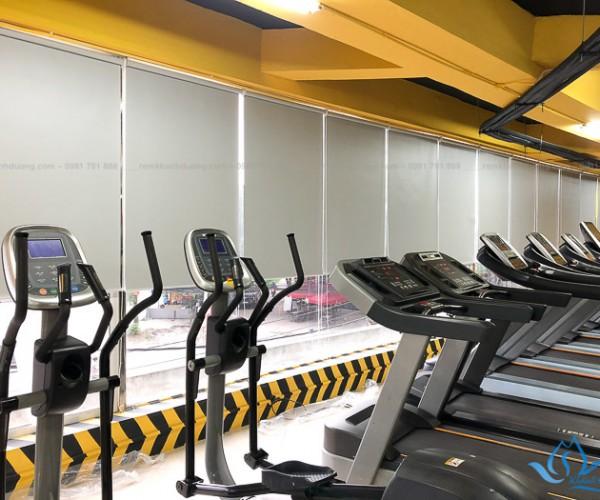 Lắp đặt rèm cuốn phòng tập gym giá rẻ tại Yên Xá, Hà Nội RC11