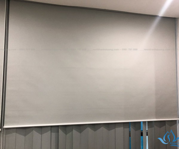 Lắp đặt rèm cuốn văn phòng chống nắng hiện đại đường Láng, Hà Nội RC15