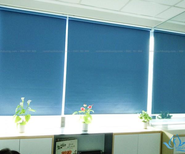 Lựa chọn rèm cuốn nhựa chống nắng cho văn phòng phố Hoàng Cầu KD 990