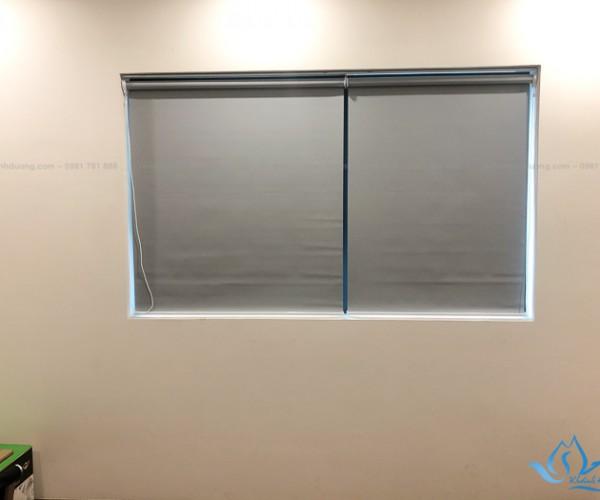 Màn cuốn cửa sổ cản nắng cho văn phòng tại Nguyễn Hoàng, Hà Nội KD-994