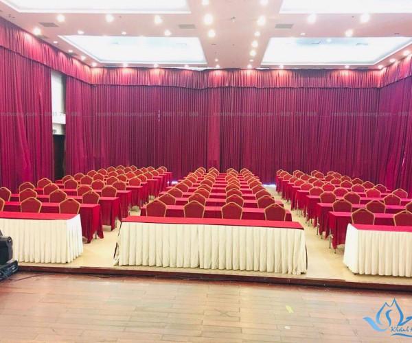 Phông rèm hội trường màu đỏ đô sang trọng tại Gia Lâm, Hà Nội HT 09