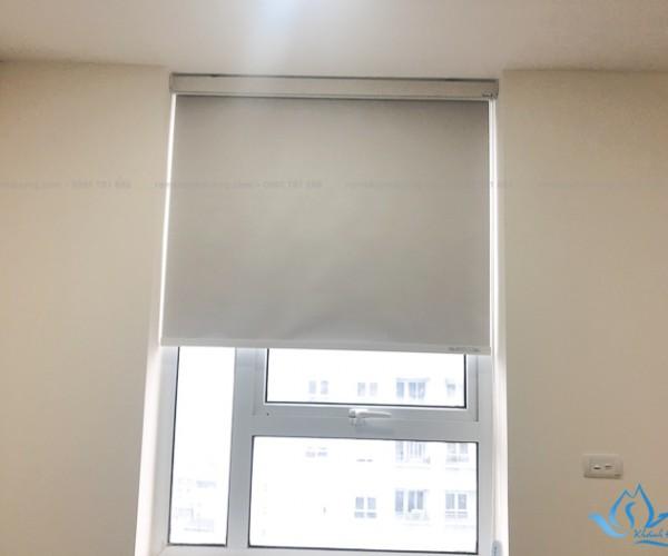 Rèm cuốn chắn sáng cản nắng tốt tại Chung cư A10, Nguyễn Chánh KD-995