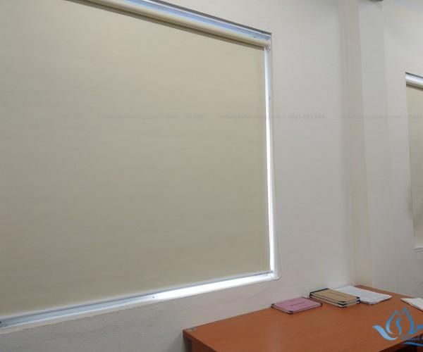 Rèm cuốn cửa sổ chống nắng hiện đại tại Biên Giang, Hà Nội RC14