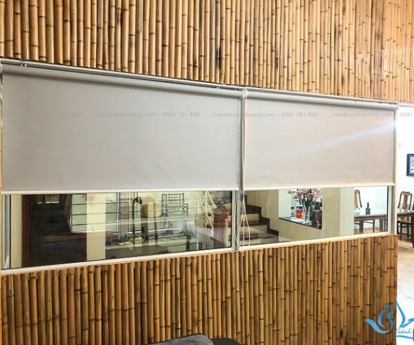 Rèm cuốn cửa sổ phòng ngủ đẹp hiện đại nhất tại Âu Cơ, Hà Nội KD-902