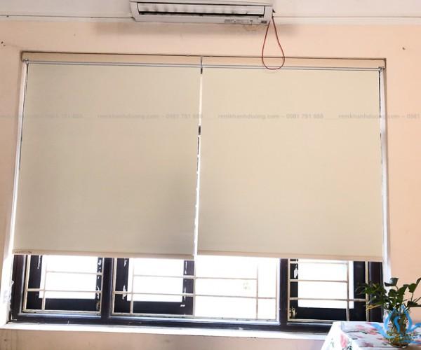 Rèm cuốn nhựa PVC chống nắng tốt tại THPT Cầu Giấy, Hà Nội RCC-03