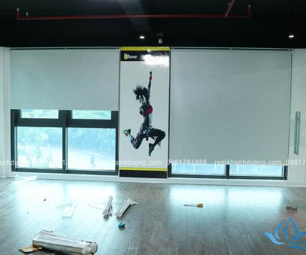 Rèm cuốn trơn dành cho phòng tập gym tại KĐT Việt Hưng, Hà Nội MA1895