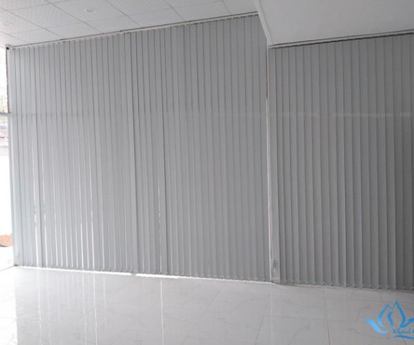 Rèm kéo dọc cản sáng chống nắng tốt tại Ngụy Như Kon Tum KL-94