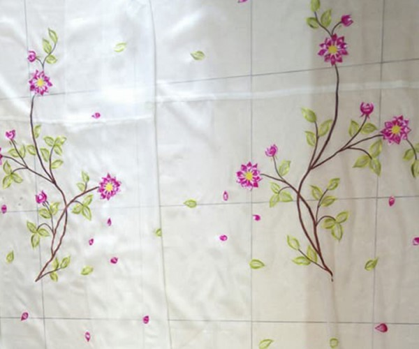 Rèm voan thêu tay trang trí hoa nhỏ tại Hà Nội