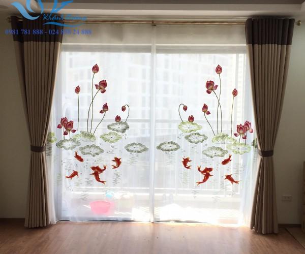 Rèm voan thêu hoa sen cá chép cho phòng khách tại Hà Nội